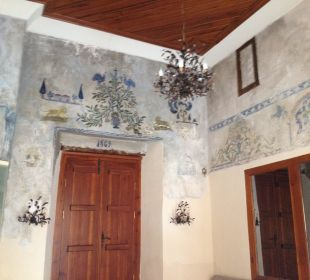 Malerei über Eingang zur Bar Mediterra Art Hotel