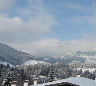 Blick ins Tal Hotel Alpenhof Jäger