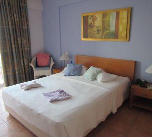 Zimmer nachdem die Reinigungskrkäfte durch waren Hotel Horizon Beach Resort