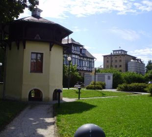 """Blick auf Beautytürmchen und """"Nachbarn"""" Hotel Schloss Schweinsburg"""
