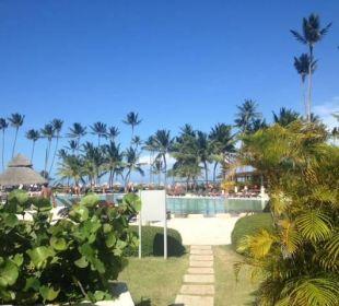 Weg zum Hauptpool Now Larimar Punta Cana