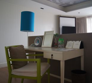 Schreibtisch mit Docking Station für IPod Hotel Rest Detail Hua Hin