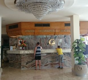 Rezeption The Grand Hotel