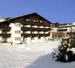 Außenansicht im Winter  Hotel Edelweiß