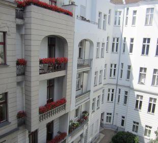 View to courtyard Hotel Residenz Berlin