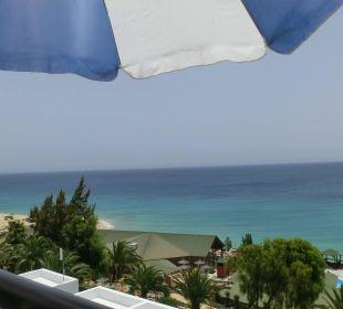 Vom Balkon Ri. Restaurant und Pool Suitehotel Monte Marina Playa