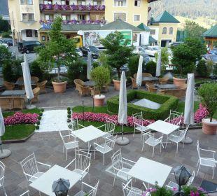 Sonnenterrasse am Morgen Alpines Lifestyle Hotel Tannenhof