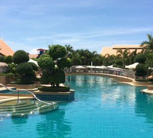 Toller Pool Thai Garden Resort