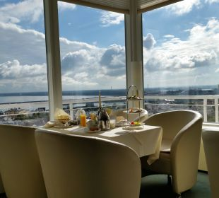 Frühstück in der Skybar Hotel Neptun