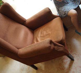 Abgesessener Sessel The Grand Hotel