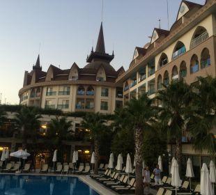 Hauptpool Hotel Side Crown Palace