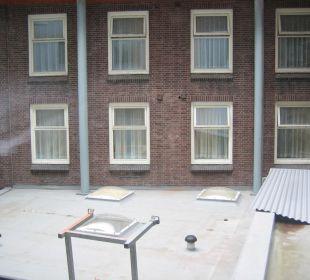 Ausblick aus dem Zimmer zum anderen Hotel