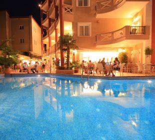 Klares Wasser (süß) Evdion Hotel