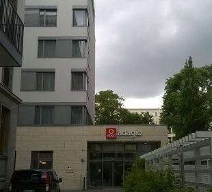 Entrance Adagio City Aparthotel Berlin Kurfürstendamm