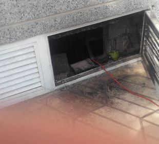 Kellerfenster, hier war der Kabelbrand JS Hotel Miramar