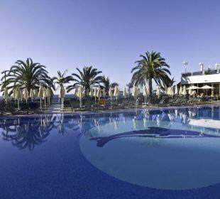 Pool, Restaurantecke und 2. Sonnenterrasse Hotel Dunas Don Gregory