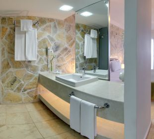 Bathroom PURAVIDA Resort Seno