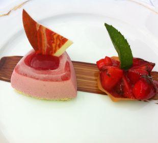 Köstliches Dessert Grand Park Hotel Health & Spa