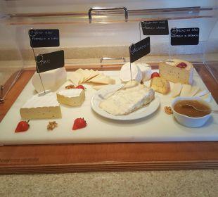Käse schließt bekanntlich den Magen Kronplatz-Resort Berghotel Zirm