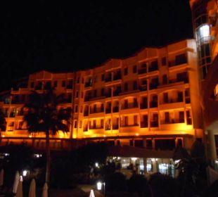 Hotel bei Nacht Side Sun Bella Resort & Spa