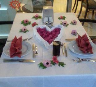 Tisch zum Abendbrot beim Abschied  Hotel Seamelia Beach Resort