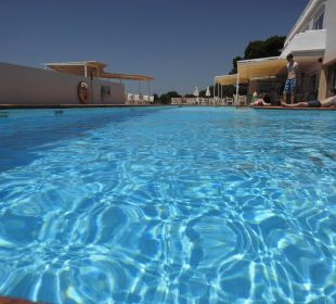 Pool bei der Bar/Terrasse JS Hotel Cape Colom