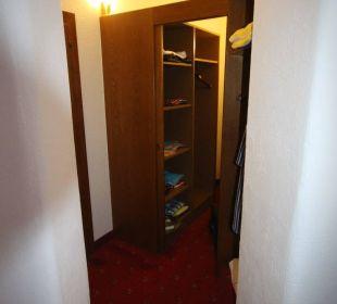 Zimmer 631 Ankleide Hotel St. Peter