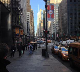 Vor dem Hotel in der 42nd Street Hotel Westin New York Grand Central