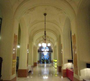 Entrance hall K+K Hotel Central