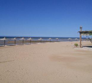 Weg zum nachbar hotel am strand Stella Di Mare Beach Resort & Spa Makadi Bay