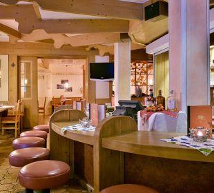 Die Bar lädt zum gemütlichen Tagesausklang ein. Die Gams Hotel - Resort