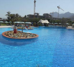 Hotel Le Meridien Al Aqah Beach Resort Hotel Le Meridien Al Aqah Beach Resort