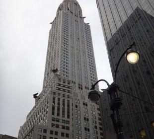 Vor dem Hotel, Blick auf das Chrysler Building Hotel Westin New York Grand Central