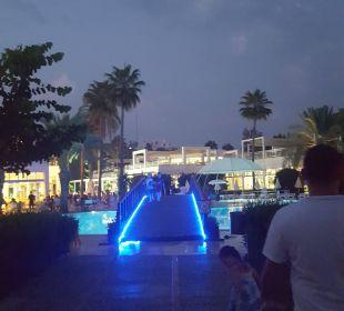 Pool 1 mit Bar und Restaurant  Hotel Club Kastalia