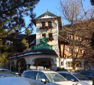 Hoteleingang - Vorderseite Hotel Trattlerhof