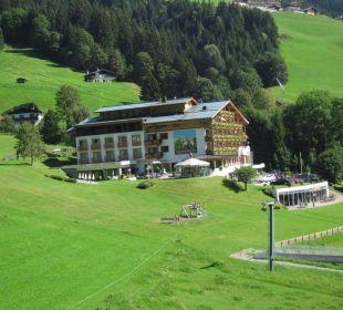 Aussenansicht AlpineResort Zell am See
