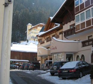 Hotel Idhof links neben Hotel Victoria Hotel Idhof