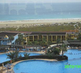 Poolanlage mit Sicht aufs Meer Hotel Barcelo Jandia Playa