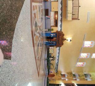 Panorama der Lobby mit Aufzug und Restaurant Playacalida Spa Hotel