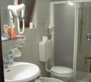 Das Bad im Appartment 303 Hotel Residence Castelli