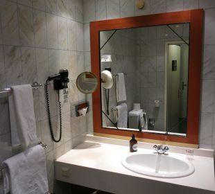 Badezimmer / Waschtisch Hotel Wiesler