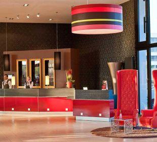 Eingangsbereich Leonardo Royal Hotel Munich