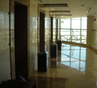 Poolanlage 31 Etage Hotel Grand Millennium Al Wahda Abu Dhabi
