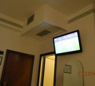 TV im Zimmer  Hotel Palos