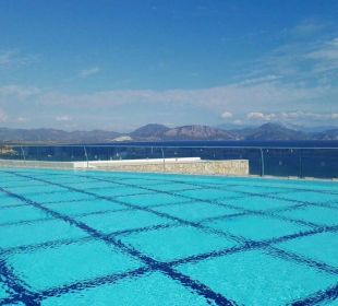 Oberer Pool Blick nach Dalaman PURAVIDA Resort Seno