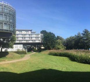 Gepflegte Gartenanlage Kongresshotel Potsdam am Templiner See