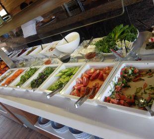 Salat in der Strandbar Hotel Seamelia Beach Resort