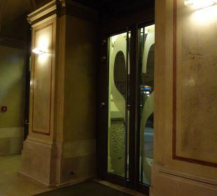 Autom. Tür Austria Trend Hotel Savoyen Vienna