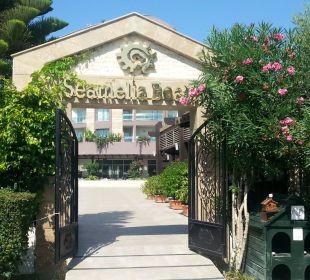 Eingang vom Strand zur Hotelanlage Hotel Seamelia Beach Resort