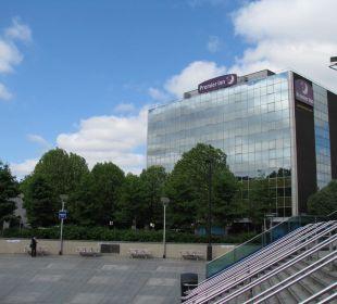 Hotelansicht U-Bahnstation Wembley Park Hotel Premier Inn London Wembley Stadium